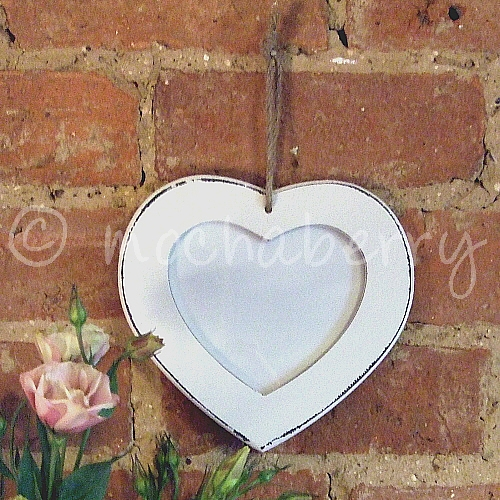 Hanging White Wooden Heart Photo Frame Vintage White Photo Frame